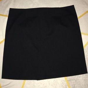 NWOT Zara Basic Black Mini Skirt size S